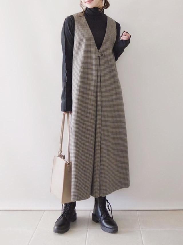 画像: 【AMERICAN HOLIC】ワンピース¥4,389(税込)【natural couture】バッグ¥3,850(税込)【参考商品】ニット ブーツ 出典:WEAR