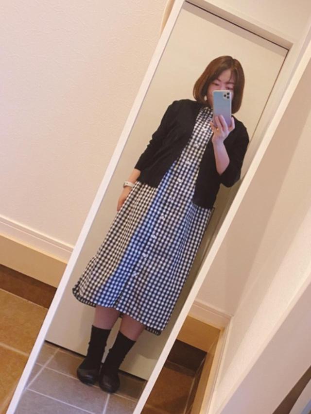 画像: 【無印良品】ワンピース¥4,990(税込)カーディガン¥2,990(税込)靴¥5,900(税込) 出典:WEAR