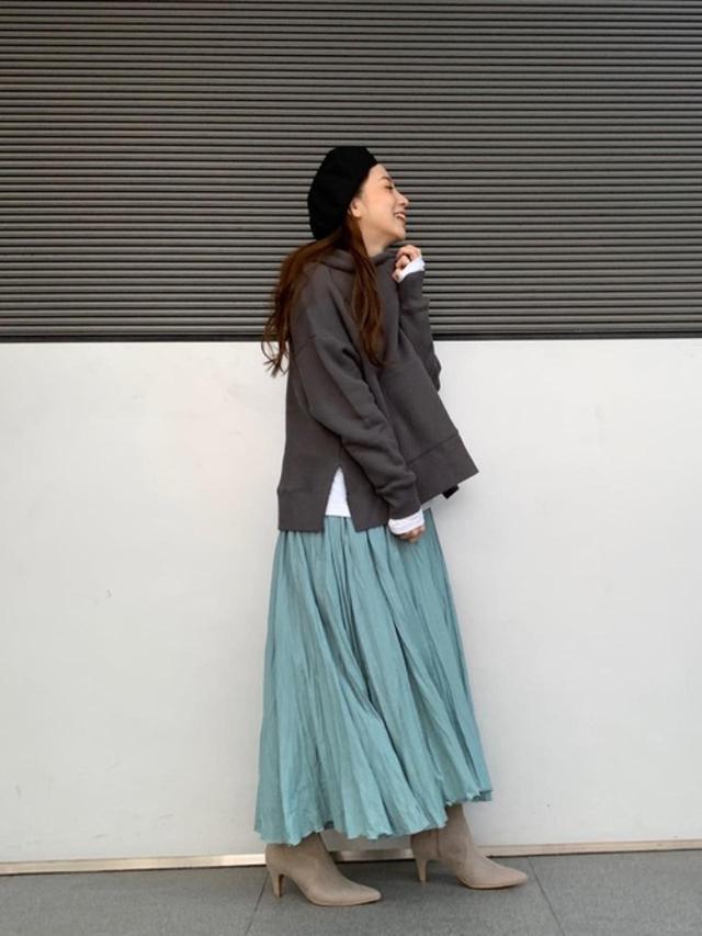 画像: 【Ungrid】ブーツ¥6,930(税込)パーカー¥7,590(税込)スカート平均価格¥6,000~ 出典:ZOZOTOWN