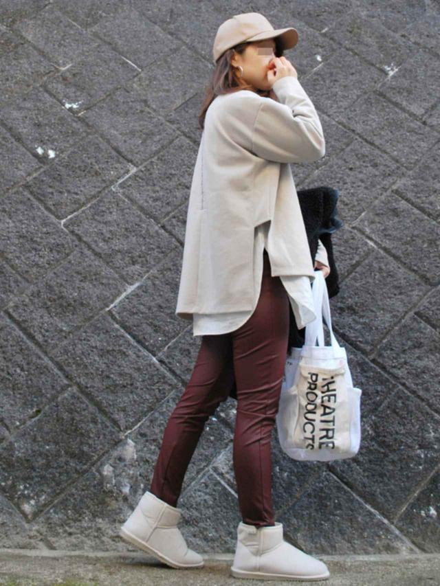 画像: 【ZARA】パンツ平均価格¥4,786~【3coins】キャップ平均価格¥330~【NOLLEY'S】Tシャツ平均価格¥9,680~【IENA】シャツ¥17,600(税込)【FREE'S MART】ブーツ¥3,190(税込)【THEATRE PRODUCTS】バッグ¥7,040(税込) 出典:WEAR