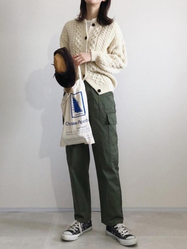 画像: 【aran WOOLLEN MILLS】カーディガン¥14,300(税込)【CLANE】パンツ¥26,400(税込) 出典:WEAR