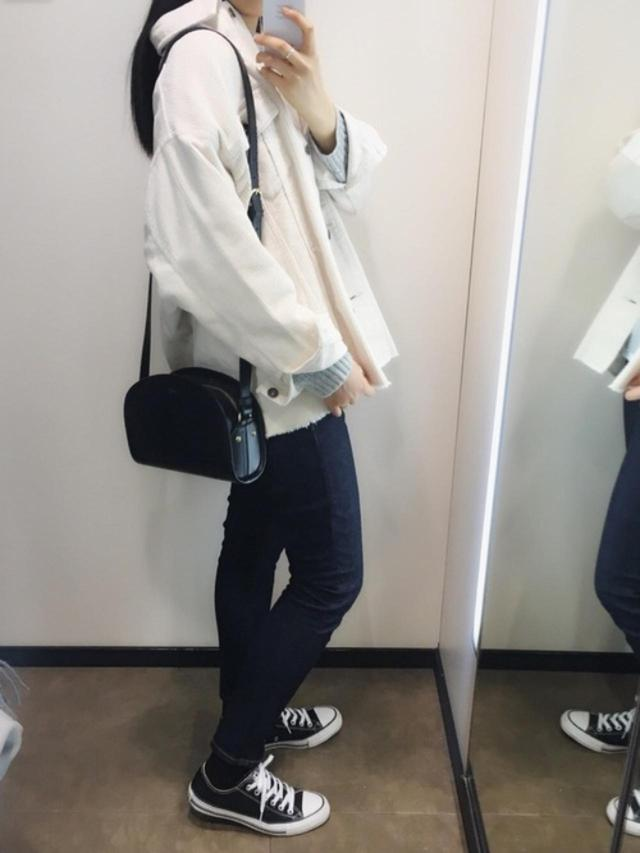 画像: 【無印良品】デニムパンツ¥3,990(税込)【参考商品】アウター スニーカー バッグ 出典:WEAR
