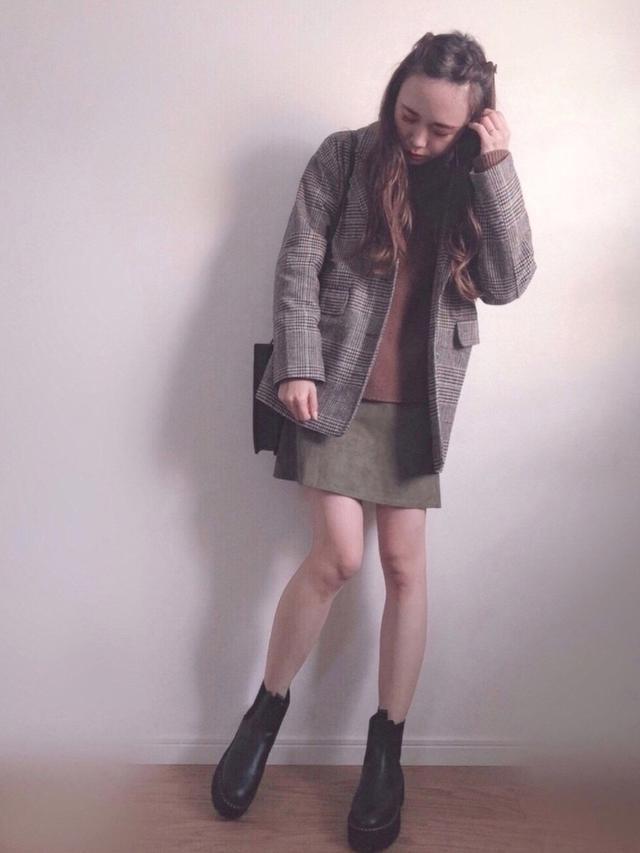 画像: 【H&M】ブーツ平均価格¥4,499~【niko and...】ニット平均価格¥4,400~【DHOLIC】スカート平均価格¥5,423~ 出典:WEAR