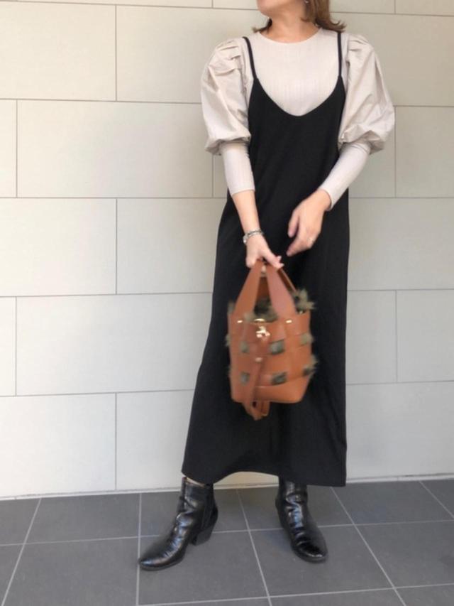 画像: 【Re:EDIT】ワンピース 参考価格¥2.238~ 【H&M】Tシャツ 参考価格¥1,299~ 【GU】ブーツ 参考価格¥2,739~ 出典:WEAR