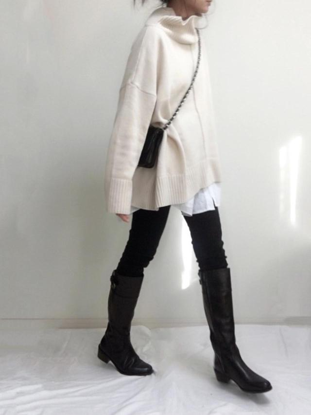 画像: 【H&M】ロングシャツ平均価格 ¥2,500~ 【DHOLIC】両起毛スキニーパンツ ¥3,938(税込) 【Bussola】バックベルトロングブーツ ¥17,600(税込) 出典:WEAR