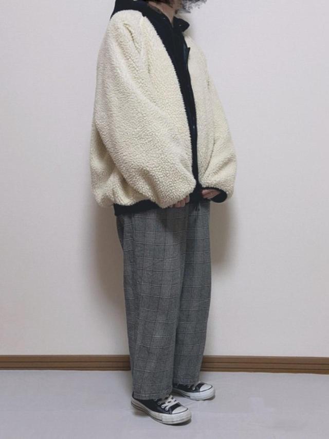 画像: 【CONVERSE】スニーカー¥6,380(税込)【参考商品】ブルゾン¥8,690(税込)パーカー¥2,189(税込) 出典:WEAR