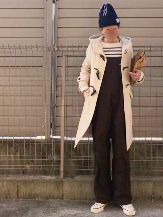 画像: 【HYKE】ダッフルコート平均価格¥50,000〜【Converse All Star】スニーカー¥13,200(税込) 出典:WEAR