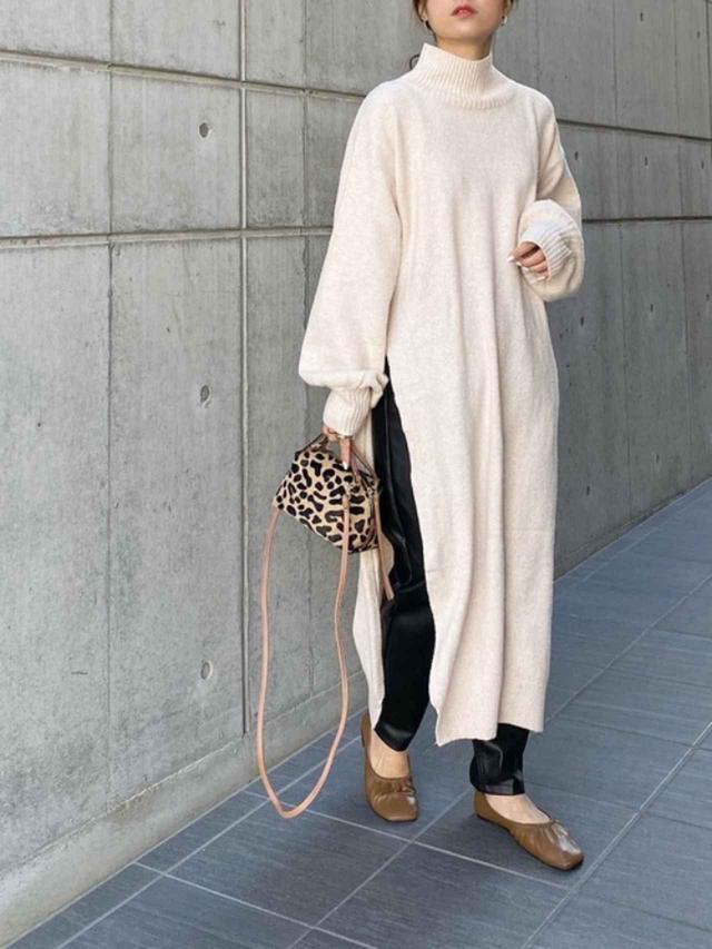 画像: 【ZARA】パンツ平均価格¥5,000~【LAVEANGE】ワンピース¥4,950(税込)【Demi-Luxe BEAMS】バッグ¥29,700(税込)【tukn.】靴¥4,700(税込) 出典:WEAR