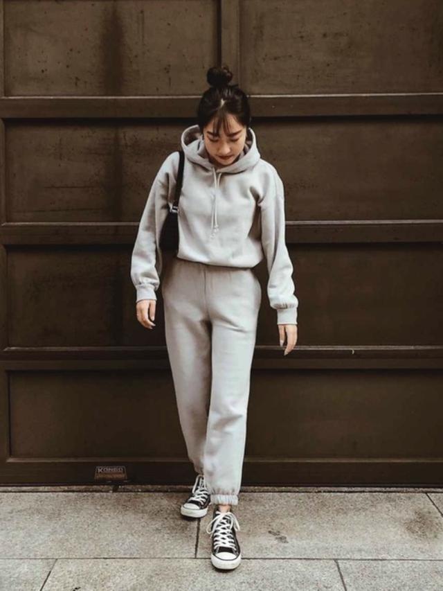 画像: 【H&M】トップス平均価格¥1,999~ パンツ平均価格¥1,999~(税込)【CONVERSE】 シューズ平均価格¥6,600~(税込) 出典:WEAR