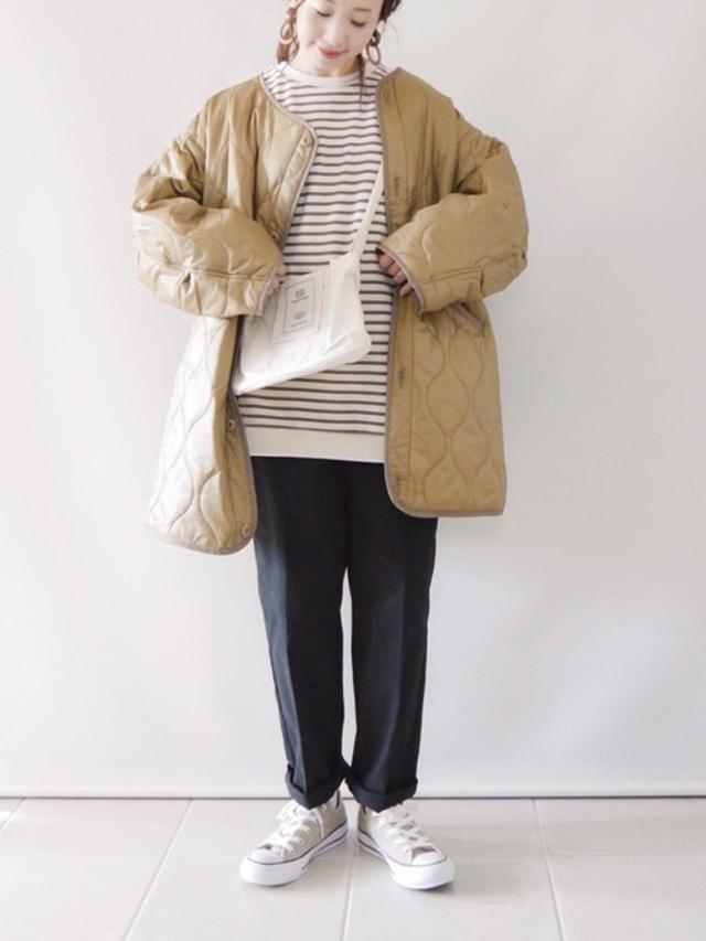 画像: 【FREAK'S STORE】キルティングコート¥6,996(税込)【Beauty&Habit】バッグ¥4,290(税込)【CONVERSE】靴¥6,600(税込) 出典:WEAR