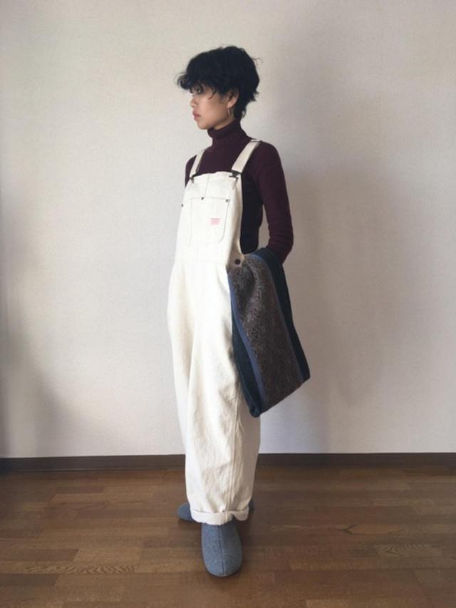 画像: 【無印良品】ニット平均価格 ¥2,500~ 【FREAK'S STORE】サロペット平均価格 ¥10,000~ 出典:WEAR