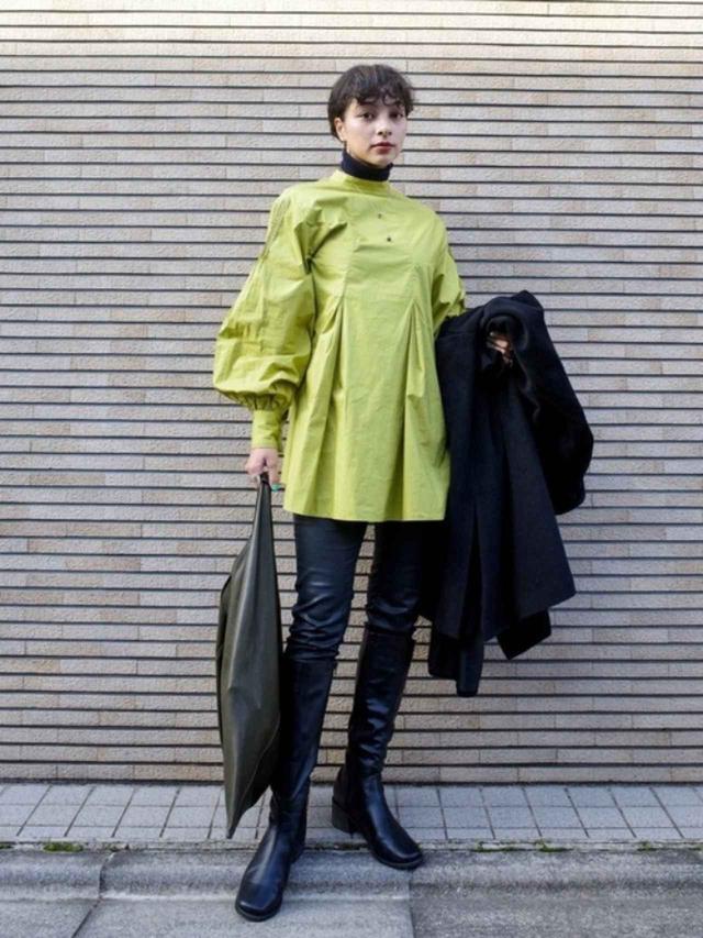 画像: 【ZARA】パンツ平均価格¥5,000~【WHO'S WHO gallery】ワンピース¥7,590(税込)【Fabby fabby】ブーツ¥12,980(税込) 出典:WEAR