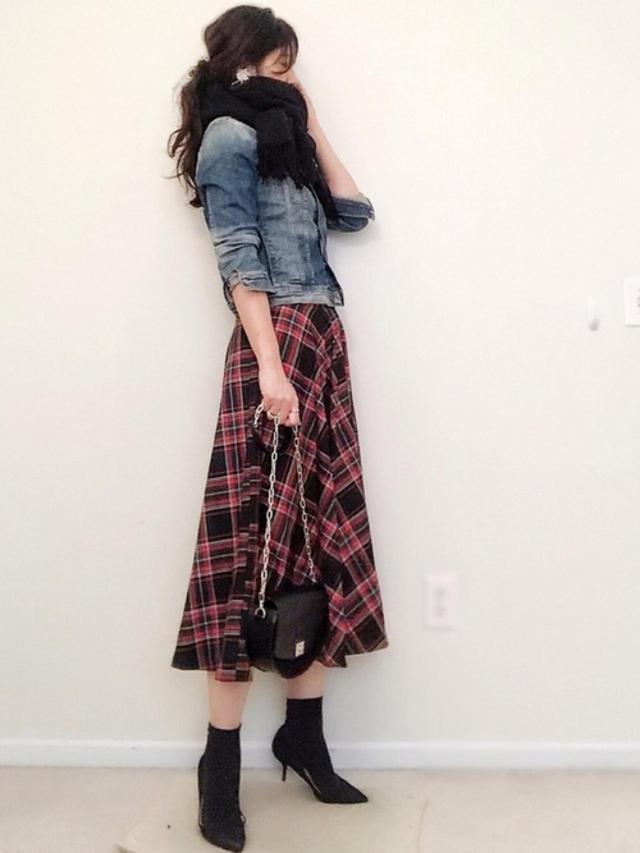 画像: 【ZARA】スカート平均価格¥5,000~【参考商品】デニムジャケット マフラー パンプス 出典:WEAR