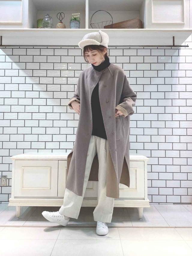 画像: 【pual ce cin】アウター¥33,000(税込)ニット¥23,100(税込)【無印良品】スニーカー平均価格¥5,000〜 出典:WEAR
