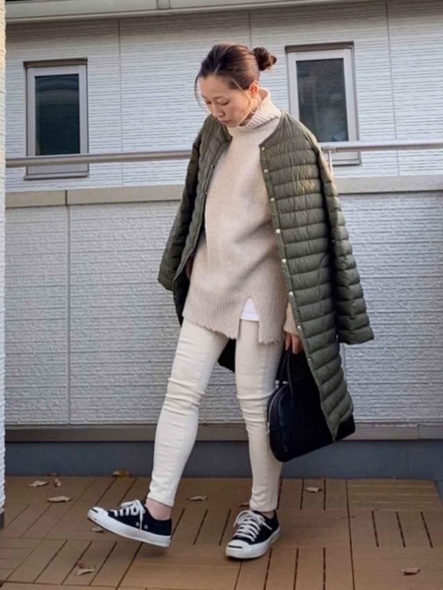 画像: 【DHOLIC】パンツ¥3,938(税込)【ITEMS URBANRESEARCH】ニット¥5,390(税込)【Traditional Weatherwear】コート¥21,450(税込)【CONVERSE】靴¥6,380(税込) 出典:WEAR