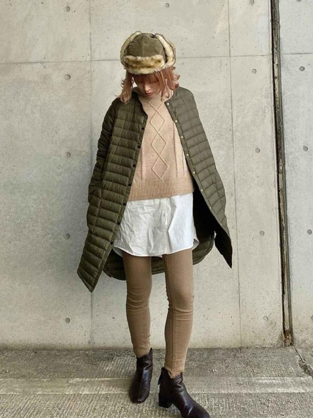 画像: 【Traditional Weatherwear】コート¥21,450(税込)【LIPSTAR】パーカー¥6,490(税込)【Ruben】キャップ¥4,620(税込) 出典:WEAR