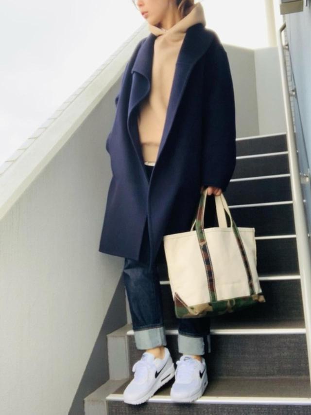 画像: 【ユニクロ】コート平均価格¥4,000~ シャツ平均価格¥1,000~【DRESSTERIOR】パーカー¥19,800(税込)【NIKE】スニーカー¥13,200(税込) 出典:WEAR