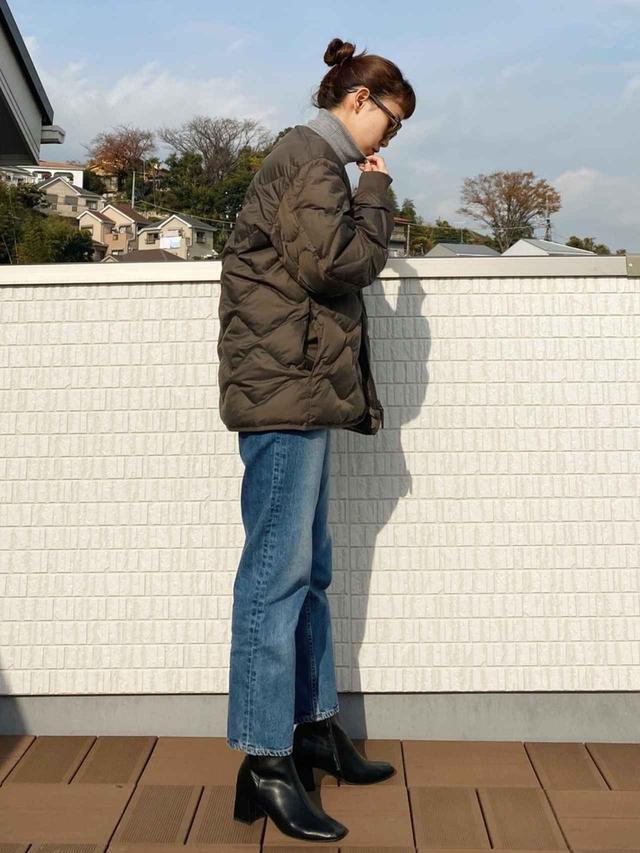 画像: 【ユニクロ】リサイクルダウンジャケット¥7,990(税抜)【BLACK BY MOUSSY】デニムパンツ¥20,900(税込) 出典:WEAR