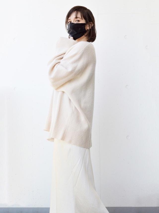 画像: 【U】マスク¥2,750(税込)【参考商品】ニット スカート 出典:WEAR