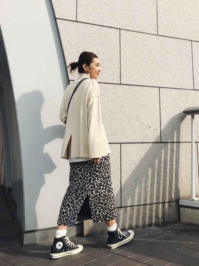 画像: 【Ungrid】ニット¥8,800(税込) スカート¥9,900(税込) 出典:WEAR