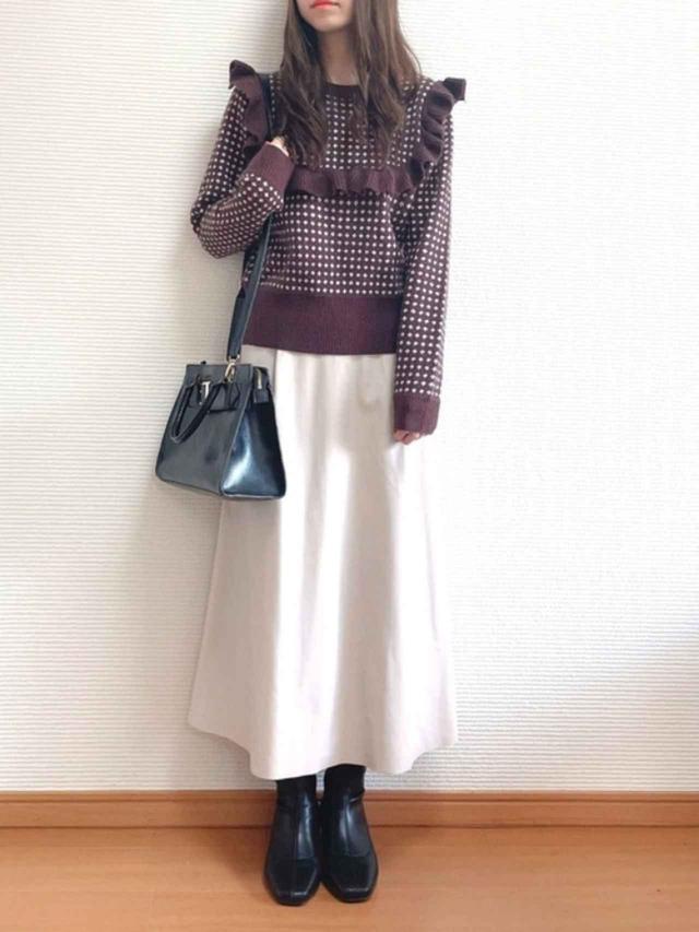 画像: 【GU】スカート平均価格¥1,000~【JEANASIS】バッグ¥8,250(税込)【ORiental TRaffic】ブーツ¥7,590(税込) 出典:WEAR