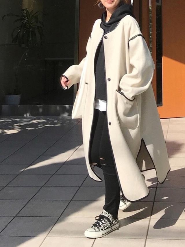 画像: 【Auntie Rosa Holiday】アウター¥6,930(税込)【ユニクロ】デニムパンツ¥4,389(税込)【CONVERSE】スニーカー¥8,800(税込)【GU】パーカー平均価格¥1,490~ 出典:WEAR