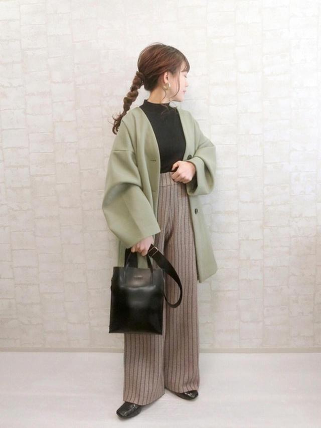 画像: 【Aunt Marie's】パンツ¥3,850(税込)【yuue'】ニット¥2,143(税込)【Lian】ジャケット¥8,910(税込) 出典:WEAR