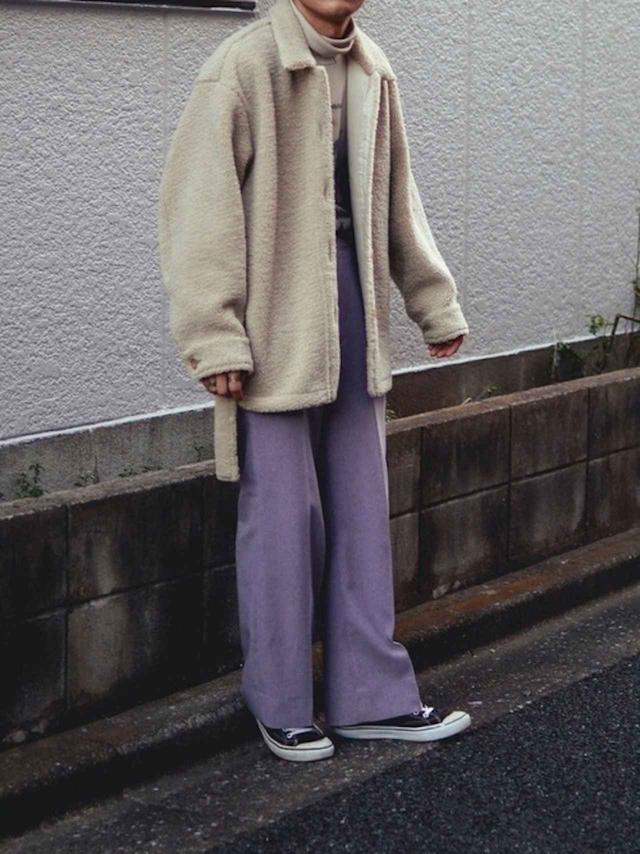 画像: 【ユニクロ】ボアフリースショートコート¥5,489(税込)【Needles】パンツ(参考商品)【VANS】¥3,289(税込) 出典:WEAR