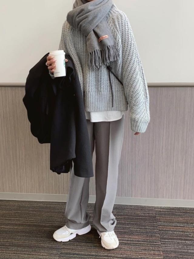 画像: 【H&M】ニット平均価格¥2,499~【Acne Studios】ストール平均価格¥22,000~【ZARA】パンツ平均価格¥4,990~【参考商品】アウター、スニーカー 出典:WEAR
