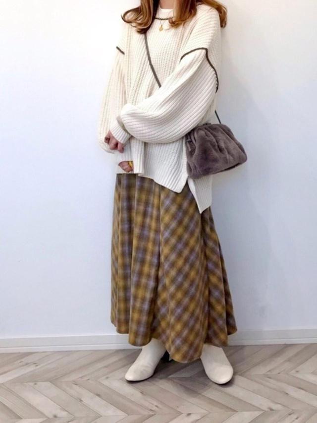 画像: 【Auntie Rosa Holiday】ニット¥3,960(税込)【GU】ブーツ平均価格¥2,739(税込)~ 出典:WEAR