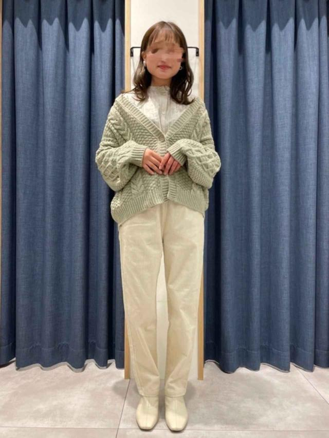 画像: 【Samansa Mos2 blue】カーディガン¥5,500(税込)パンツ¥4,400(税込)シャツ¥4,400(税込) 出典:WEAR