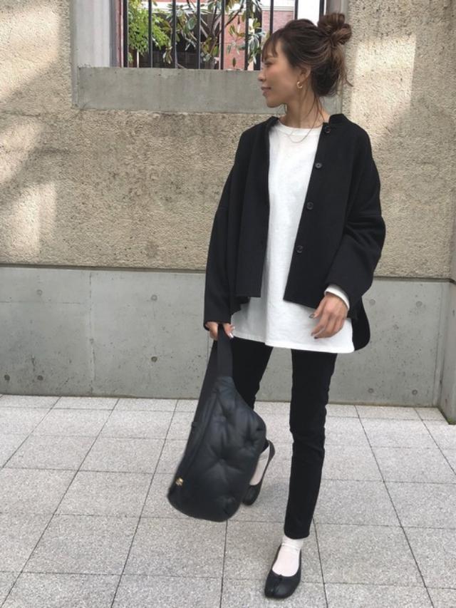 画像: 【ulu】ジャケット平均価格¥5,830~ カットソー平均価格¥4,950~【Maison Margiela】バッグ¥129,800(税込)シューズ¥96,800(税込)【参考商品】パンツ 出典:WEAR