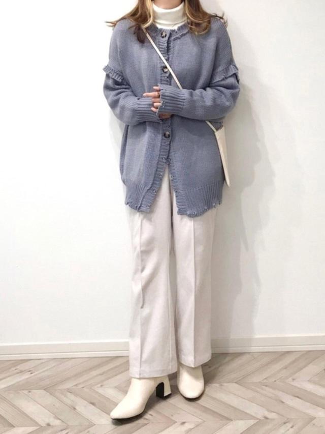 画像: 【GRL】ニット¥2,749(税込)【しまむら】パンツ平均価格¥2,000~【GU】ブーツ平均価格¥2,000~【THREEPPY】バッグ平均価格¥4,000~ 出典:WEAR