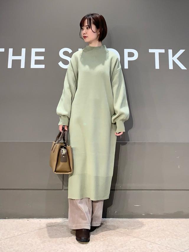 画像: 【THE SHOP TK】ワンピース¥4,389(税込)バッグ¥5,489(税込)パンツ¥4,389(税込)ブーツ¥6,050(税込) 出典:WEAR