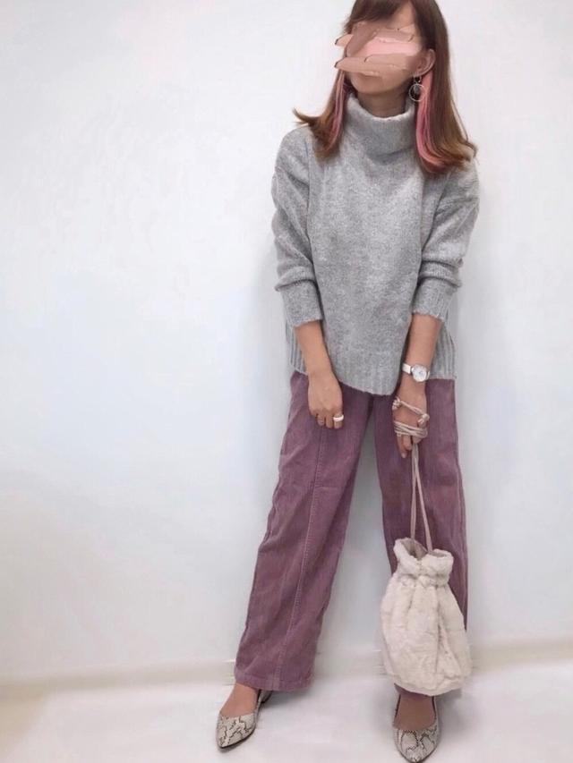 画像: 【2PINK】パンツ平均価格¥1,935~【titivate】ニット¥4,059(税込)【GRL】パンプス¥1,425(税込) 出典:WEAR