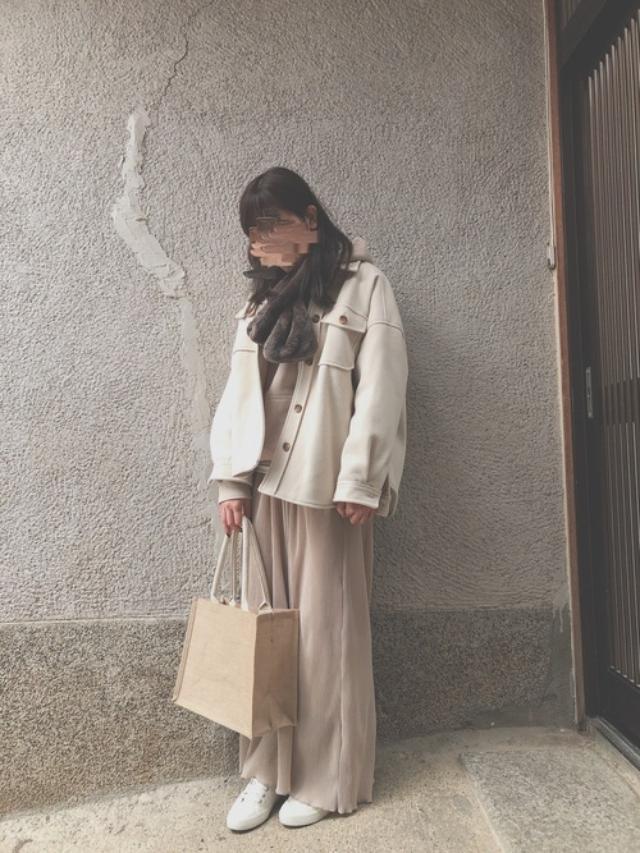 画像: 【無印良品】スニーカー¥2,990(税込)【cepo】アウター¥2,970(税込) 出典:WEAR