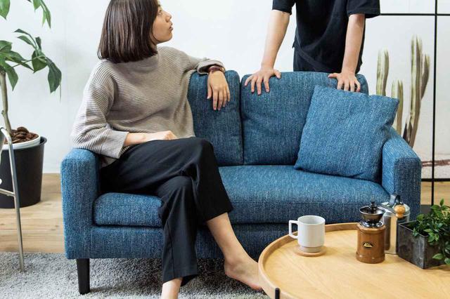 画像: 「ゆったり過ごすコンパクトなソファ」¥2,750/月(税込・送料込み) 出典:CLAS