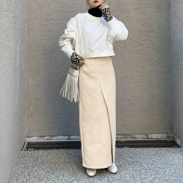 画像1: 【プチプラなのに高見え♪レザースカートの淡色着回しコーデ!】