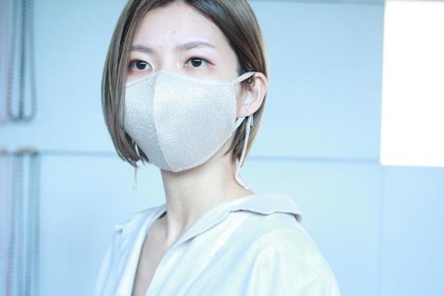 画像: シルク・フェイス・マスク(ベージュ)¥3,850(税込)