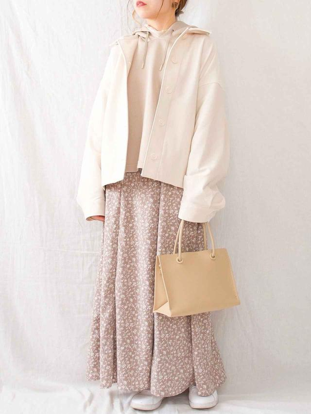 画像: 【しまむら】スカート、バッグ 出典:WEAR