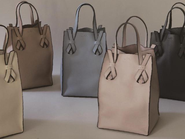 画像: 「2way Small Lunch Bag in Leather」¥16,500 出典:ミチエ