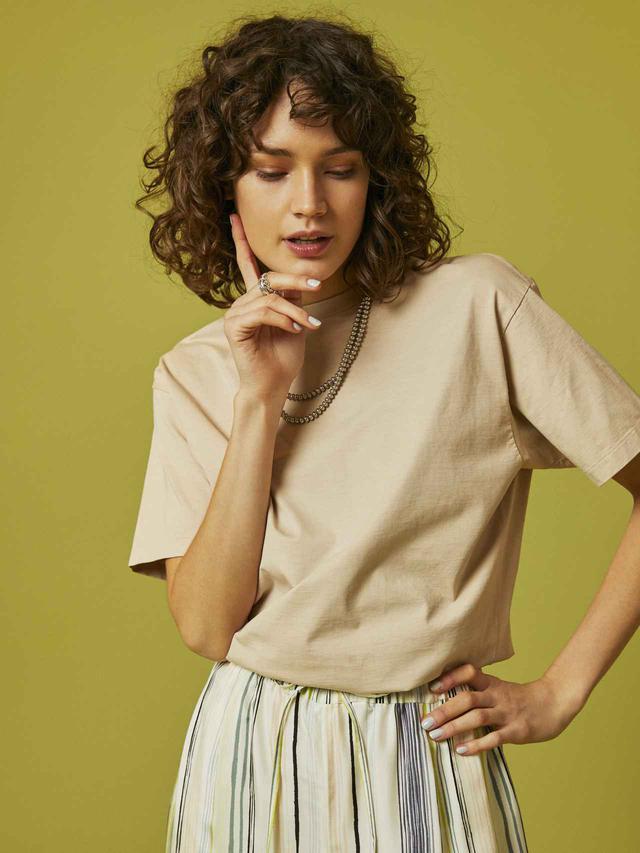 画像: Organic Cotton Luster Tee ¥14,300(税込)/AURALEE for Ron Herman 出典:fashion trend news