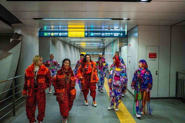 画像: ファッションショーが渋谷の街に⁉