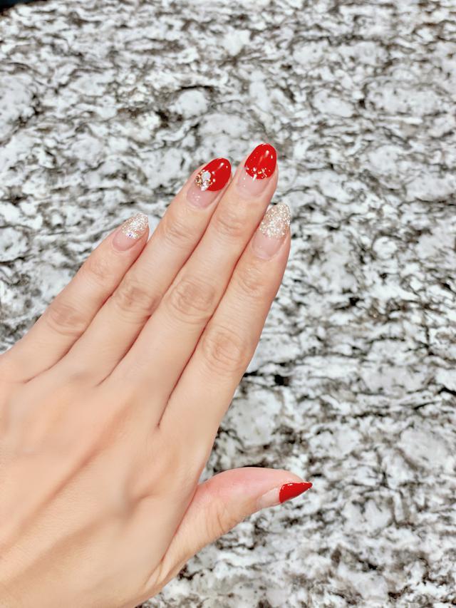 画像: 大人気の定番カラー「赤ネイル」