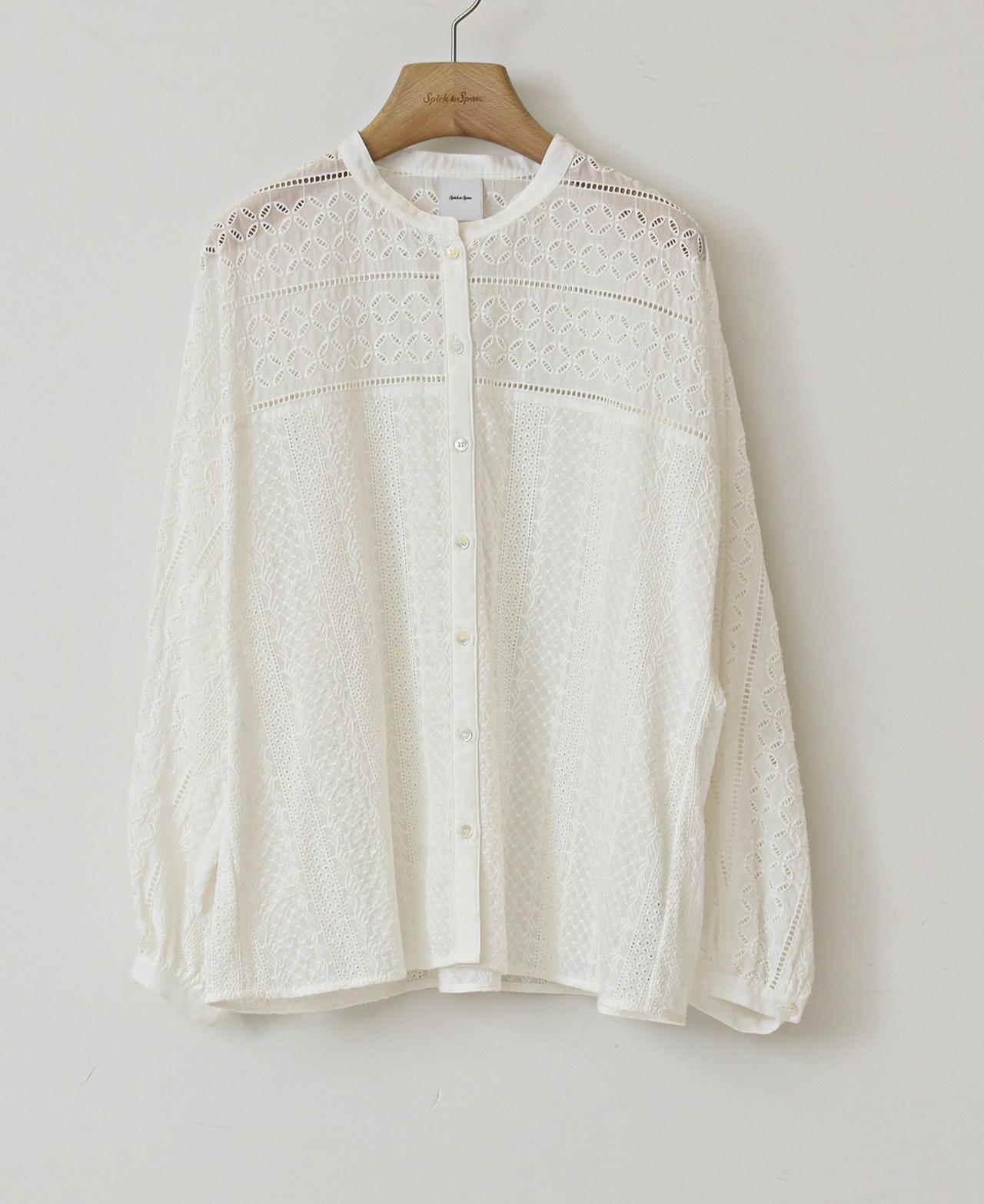 画像: ブロイダーレースドルマンブラウス¥18,700(税込) 出典:fashion trend news