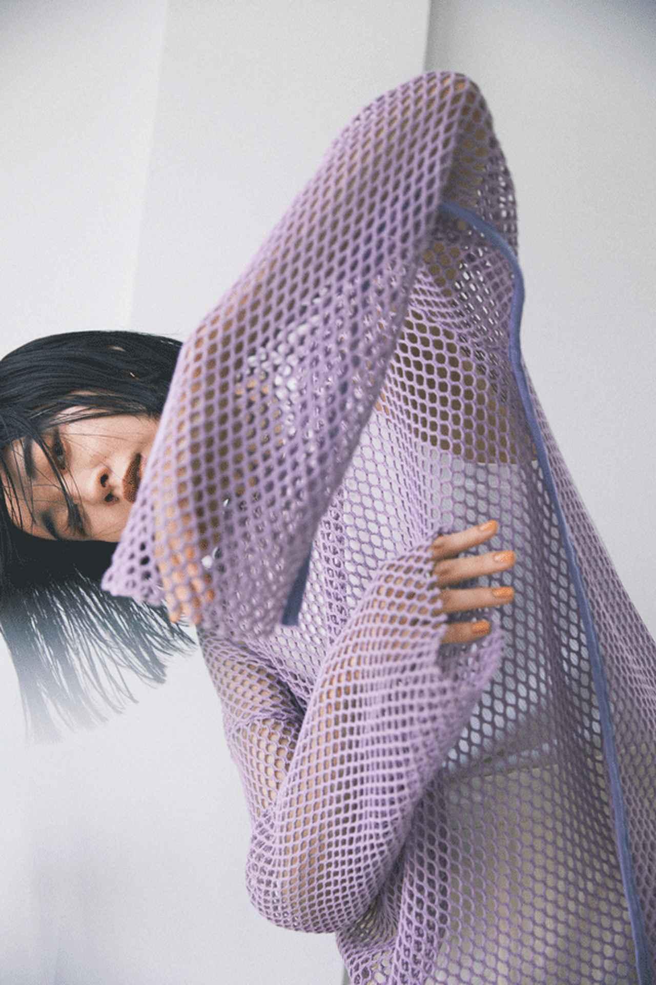 画像: Tシャツ・カットソー    ¥ 12,650(税込) 出典: rosebud-web.com