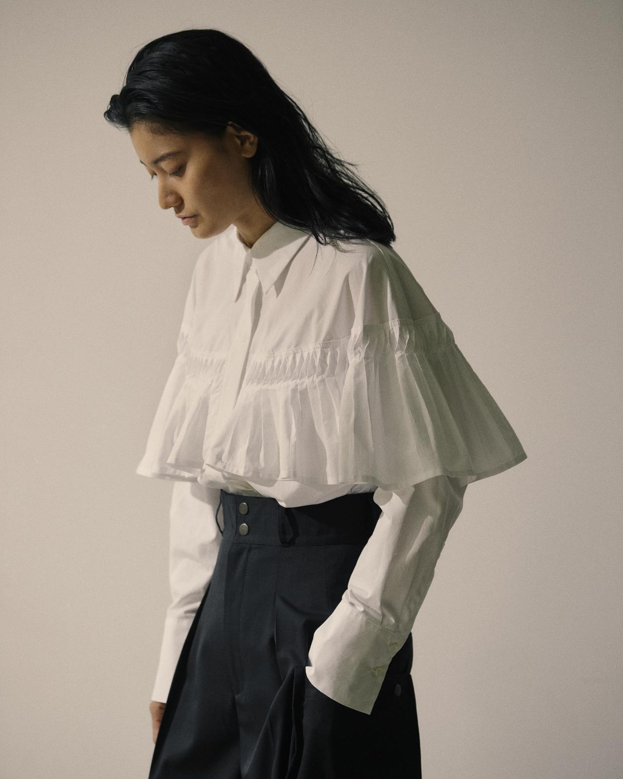 画像: フリルブラウス¥16,500(税込) 出典:fashion trend news