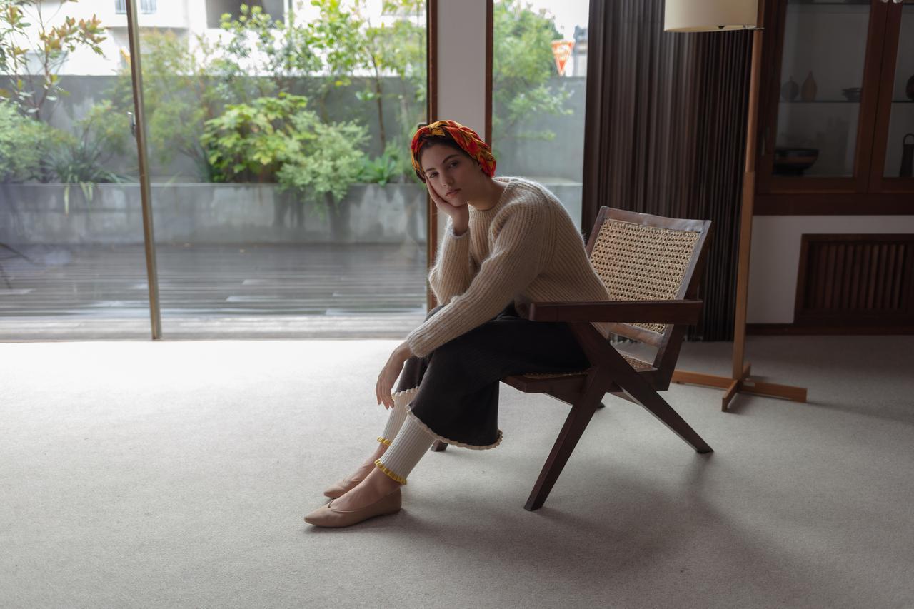 画像: 「バックコンシャスニットトップス」¥10,000、「ワイドリブフレアニットスカート」¥10,000、「ワイドリブレギンスパンツ」¥8,000※2021年10月5日(火)〜10月18日(月)が受注期間 その他ブランド私物 出典:ノール・ケアド