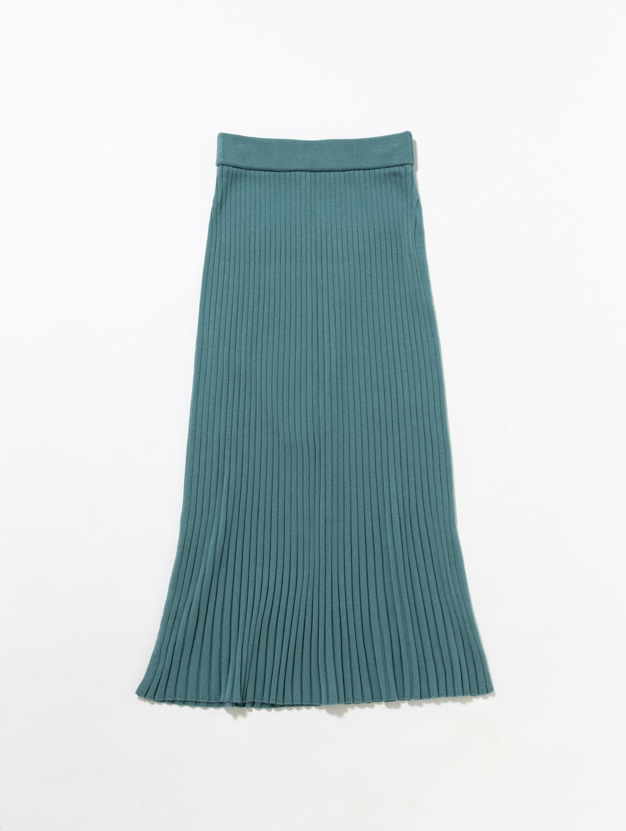 画像: シルク・カシミヤ素材のニットスカート ¥30,800 出典ftn