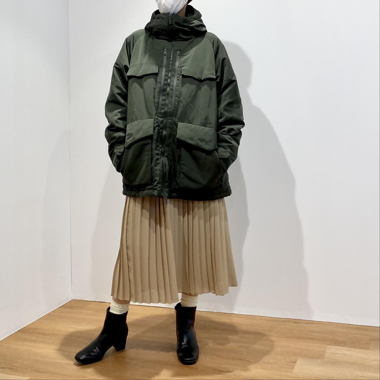 画像1: ハイブリッドダウンオーバーサイズパーカ¥12,900/ユニクロ(ユニクロ アンド ホワイトマウンテニアリング) 出典:fashion trend news